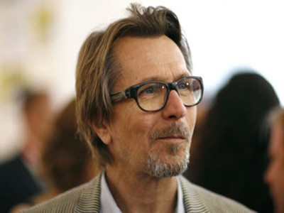 Gary Oldman Simios Interior