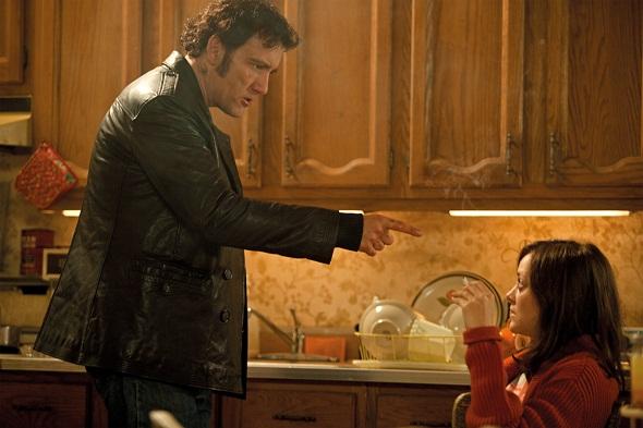Clive Owen y Marion Cotillard en 'Blood ties'