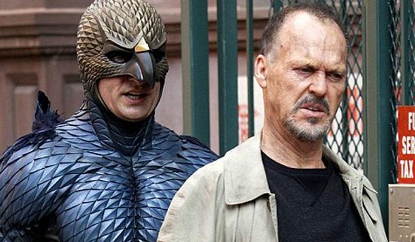 Michael Keaton acosado por su pasado en 'Birdman'