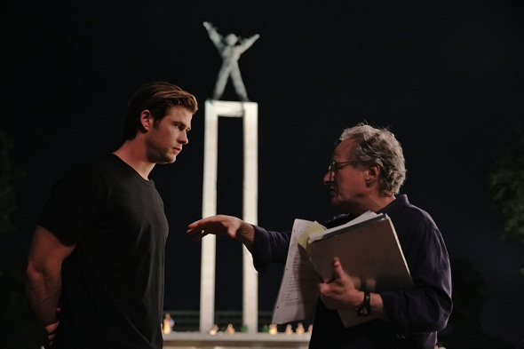 Michael Mann dirige a Chris Hemsworth en 'Blackhat'