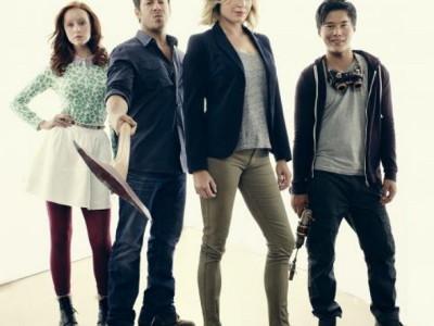 Parte del reparto de 'The Librarians', la nueva serie de TNT