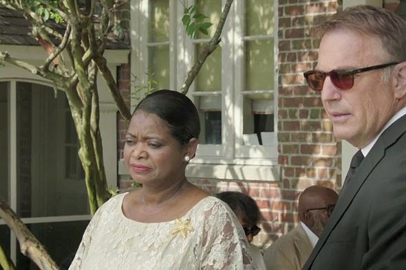 Octavia Spencer y Kevin Costner en un fotograma del film