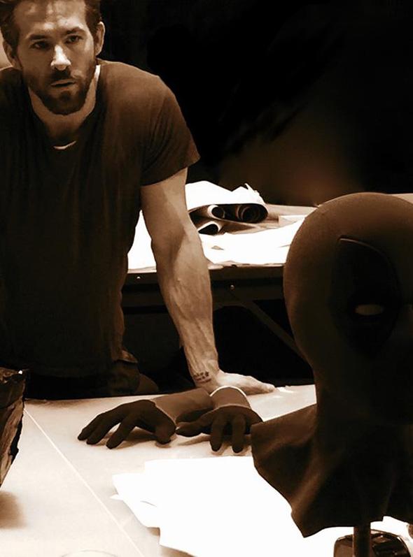 Una imagen de Ryan Reynolds, con la máscara de Masacre