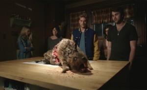 Fotograma de Zombeavers (castores zombies)