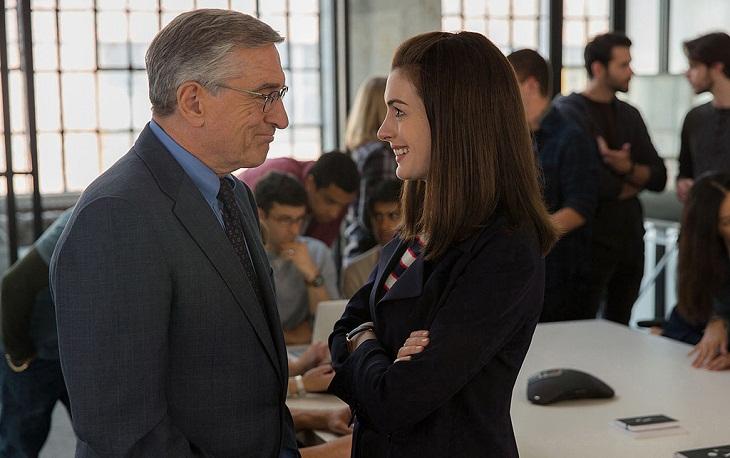 De Niro y Hathaway comparten planos en lo nuevo de Nancy Meyers