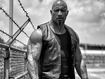 Dwayne Johnson como Hobbs en Furious 8 destacada
