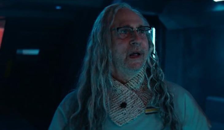 Brent Spiner es el Doctor Okum