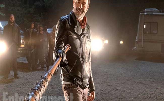 Póster oficial en español de la séptima temporada de 'The Walking Dead' destacada