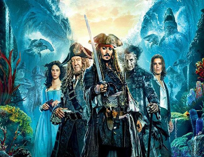 Nuevo póster en español de 'Piratas del Caribe: la venganza de Salazar' destacada